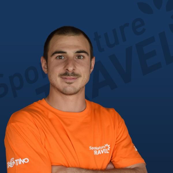 MATTIA VICENTINI Responsabile di guide ed istruttori - Accompagnatore e-Bike (SIEB) - Maestro di Sci/Snowboard - Guida di Sci